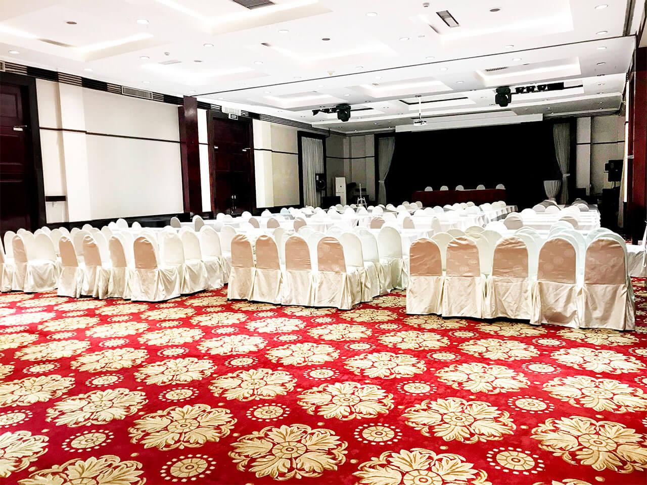 hoi truong Lotus Ballroom 1